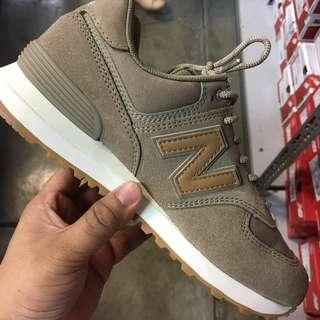 New Balance 574 Classic Traditionales Brown Womens Size 7.5 8