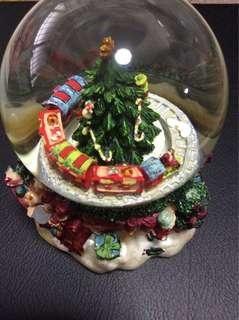 Christmas tree train musical snowglobe