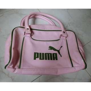 Authentic Puma 正品漆皮 粉紅色併奴綠邊 手挽袋