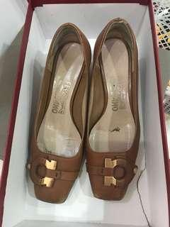 Priced to Sell Ferragamo Shoes with box