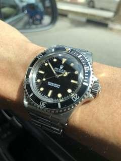 Vintage Rolex 5513 Submariner - glossy dial