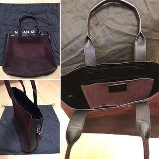 正版全新 MICHAEL KORS Suede Tote bag Size 40cm *37cm * 5cm 側咩袋 大包 啡紅色