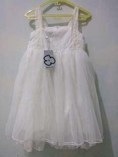 Dress putih cantiiik masiiih baru belom pernah dipake