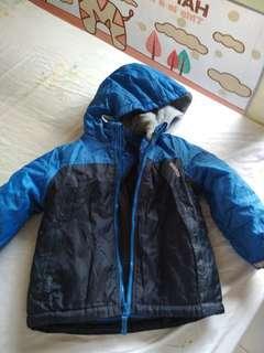 Preloved Osh Kosh winter coat. Size 3T