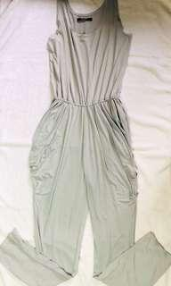Ivory - color grey jumpsuit with povket