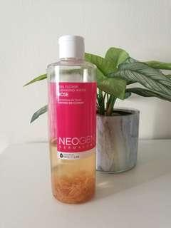 Real rose cleansing water