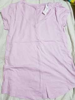 BNWT Gap lilac v neck shirt bnew with tag