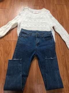 深藍色高腰緊身貼腳窄腳牛仔長褲白色毛衣冷衫針織衫