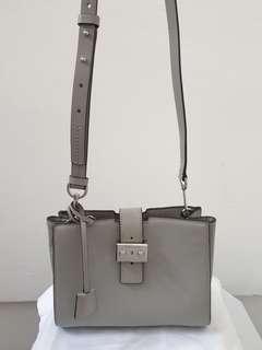 Authentic Michael Kors Bond Messenger Bag