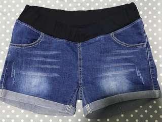 Low waist denim maternity shorts