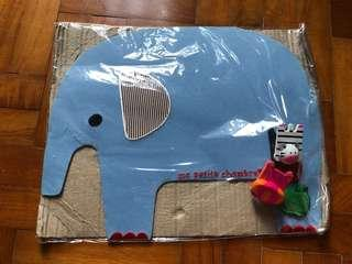 Beautifully crafted Hanging Elephant Magnetic Board with 4 magnets