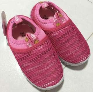 BN girls shoes 14cm