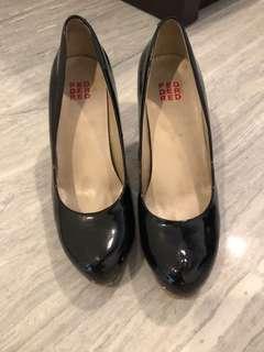 Black Patent Shoe