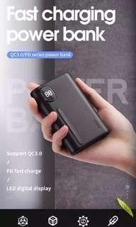 JOYROOM 機樂堂 Q.C 3.0/PD 超輕巧快充數字顯示尿袋 10000 mAh   Q.C 3.0/PD Fast Charging Mini Power Bank 充電寳 移動電源