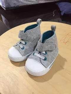 Gymboree Sepatu Newborn - Grey & Green
