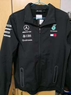 9691496026d6 Mercedes AMG Petronas team F1 mens softshell jacket