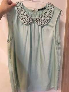 🚚 Sisley淡綠設計領背心