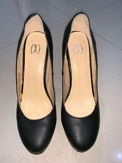 Xsml - black wedges