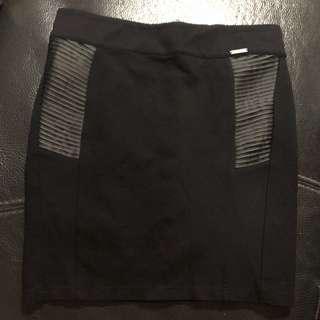 Guess black skirt