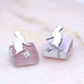 Cat silver diamond earring, ear stud, ERN319, Tigarpaws collection