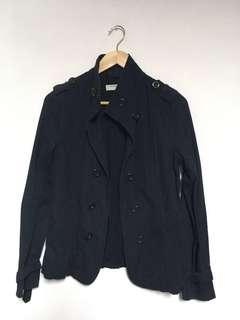 🚚 佐丹奴 女款 短版軍裝薄風衣外套 雙排扣 深黑藍 size m