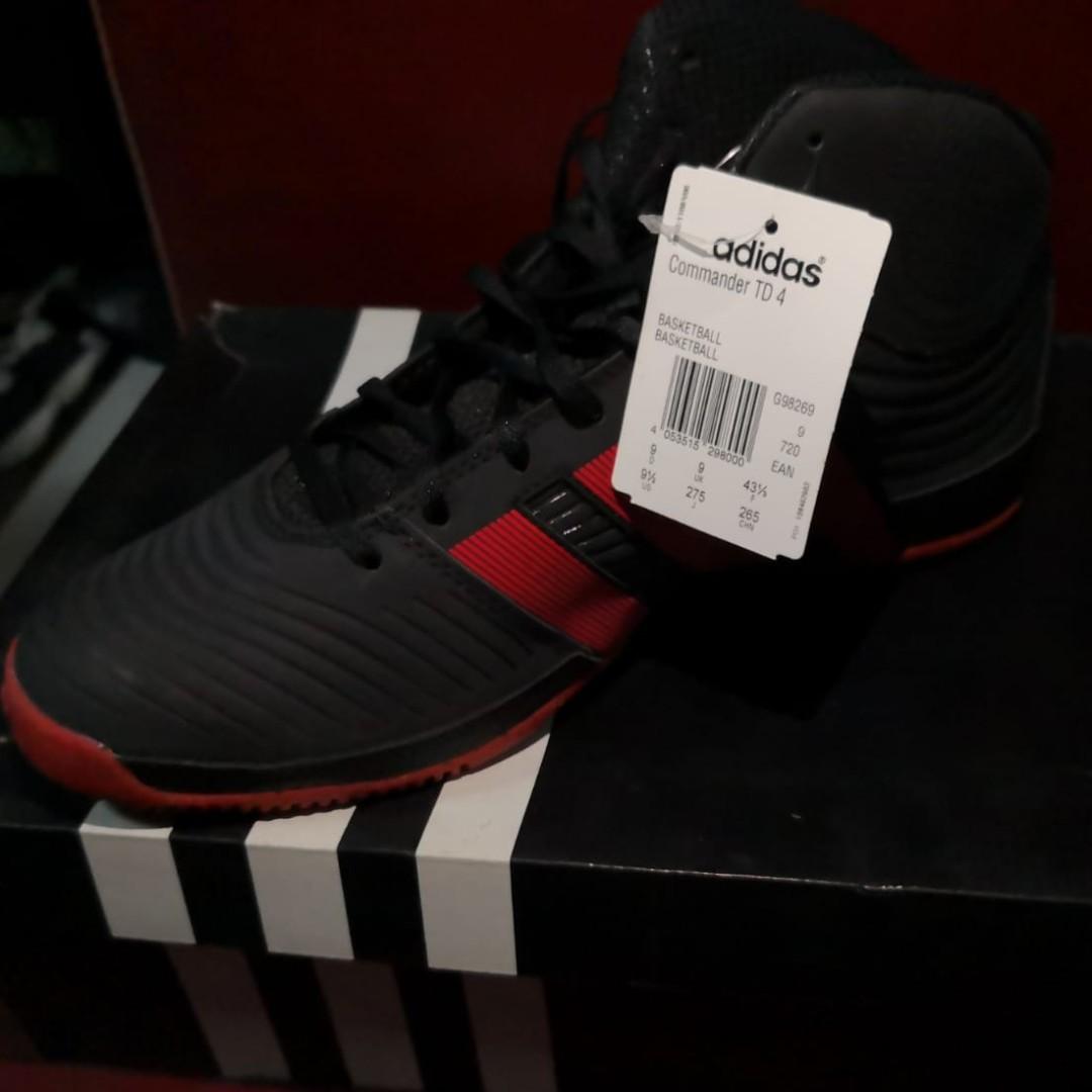 65ade43f666 Adidas Commander TD 4 Men s Basketball Shoes
