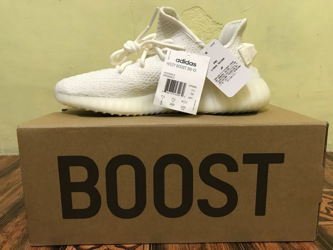 fff63d607 Adidas yeezy 350 v2 triple white size 8
