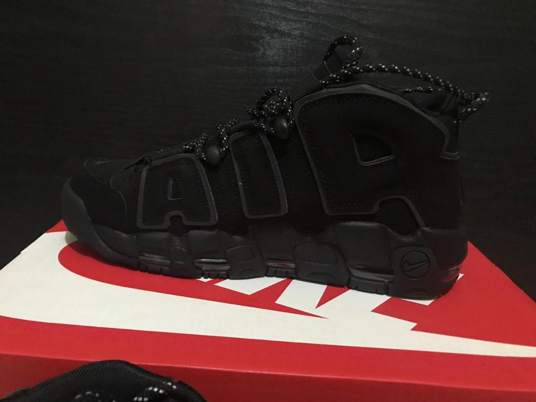 buy popular e0b0c b2e8b Sepatu basket Nike Air More Uptempo, Men s Fashion, Men s Footwear ...
