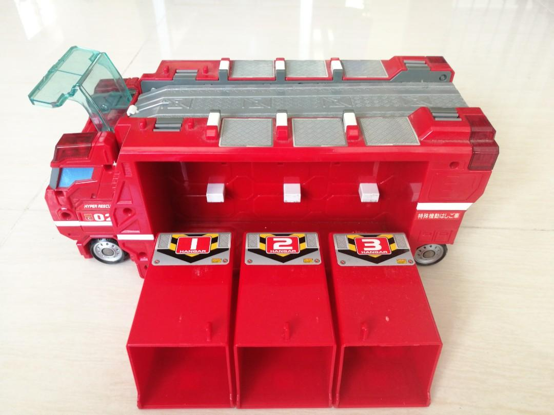 Tomica hyper rescue truck, Toys & Games, Others on Carousell