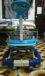 Baby 1at walker wd multi activity tray & rocking system
