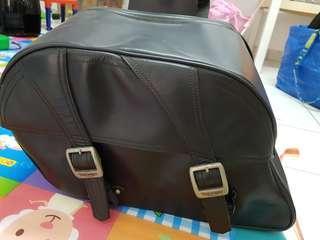 Original Triumph Motorcycle Leather Saddle Bags Panniers