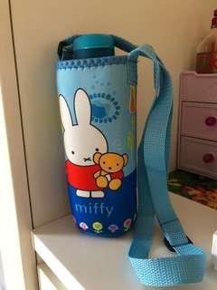 Brand new Tupperware Water Bottle+bag
