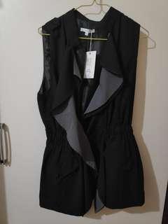 NEW Sleeveless Ruffled Jacket