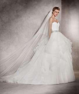 Like New Pronovias Albania Wedding Dress Gown