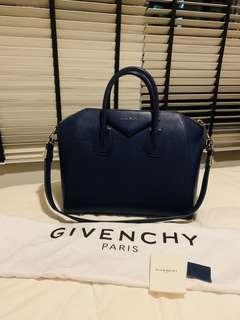 🚚 100% Authentic Givenchy Antigona Medium Bag
