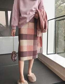🚚 (全新免運)韓版格紋毛呢後開衩修身中長版半身裙合身裙窄裙