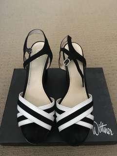 Wittner black/white heels
