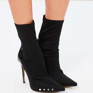 Staple sock heels