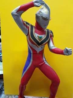 🚚 (眼鏡牌) DX - 超人力霸王 蓋 亞