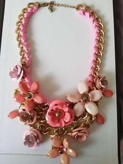 Pink metal flowers statement necklace