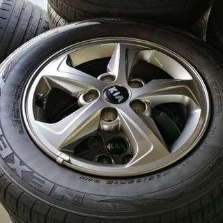"Hyundai Elantra 15"" Stock Rim and Tyres (TRADE FROM NEW CAR)"