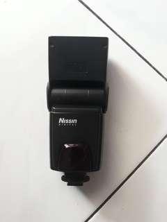 Nissin - Blitz Camera