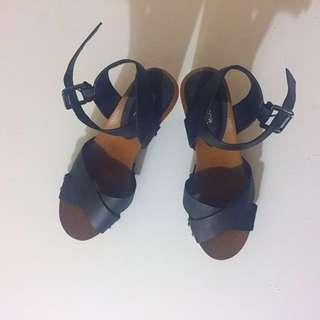 Size 6 Chunky Heeled Sandal