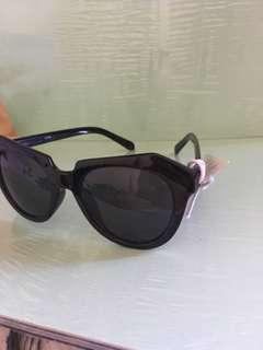 BNWT Unity square shaped sunglasses