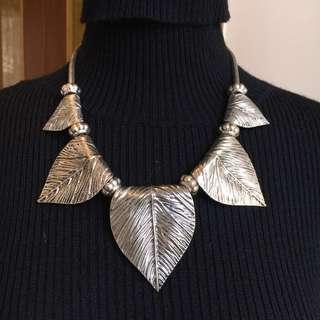 🚚 葉子造型銀飾項鍊