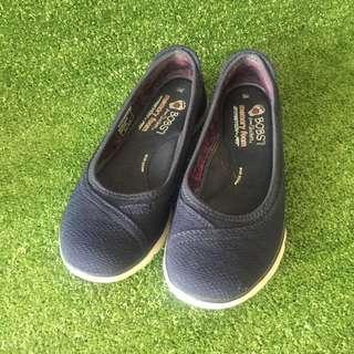 Sketchers Shoes/Sneakers