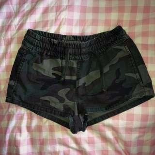 Camo drawstring shorts