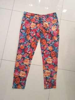 Celana kain motif bunga