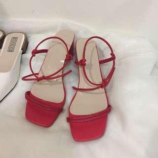 🚚 紅色高根鞋37號