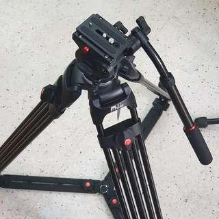Jieyang Professional Video Tripod Spreader Type 172 cm Max Height ( Can Go Low )
